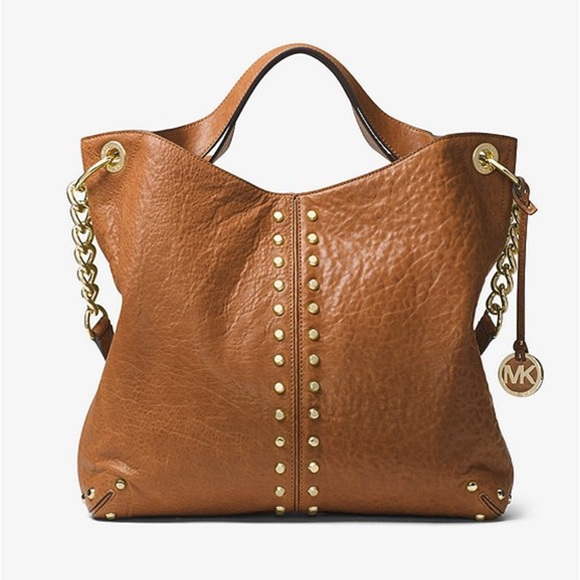 4b1e322ff6 Michael Kors Astor Leather Shoulder Bag - Walnut